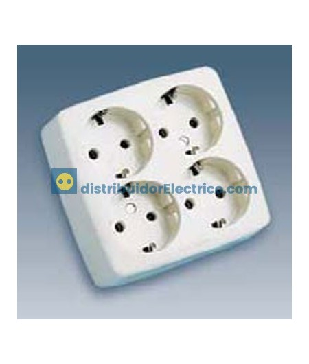 10464-31 - Bases enchufe multiple Bipolar, de superficie 16A 250V, 4x2P+TT lateral. material termostable.